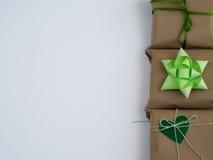 Eingewickelte Weinlesegeschenkbox Kopieren Sie Platz Lizenzfreie Stockbilder