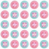 Eingewickelte Weinlesegeschenkbox Kopieren Sie Platz Pastellfarbebene gelegtes minimales Konzept Rosa stieg Kalkdurchschlag stock abbildung