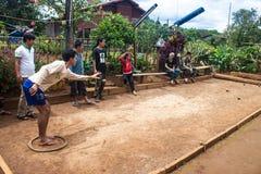 Einheimischspiel petanque lizenzfreie stockfotografie