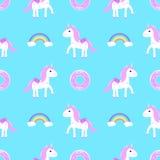 Einhornregenbogenkuchen, nahtloser Mustervektor Lizenzfreie Stockbilder