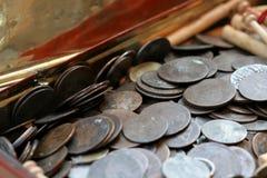 Einige alte Münzen Stockfotos