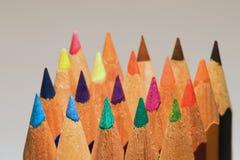 Einige farbige Bleistifte Stockfotos