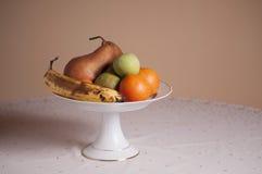 Einige Früchte in einer Schüssel Lizenzfreies Stockbild