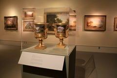 Einige Meisterwerke, in den Malereien und geschnitzte Urnen, attraktiv angezeigt, Institut der Geschichte und Kunst, Albanien, 20 stockbild