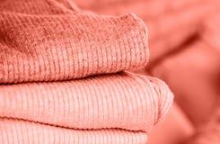 Einige Strickjacken von Pastellfarben stockfoto