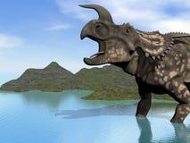 Einiosaurus en el lago Foto de archivo