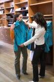 Einkauf für Kleidung Stockbild