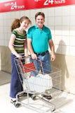 Einkauf für Wasser Lizenzfreie Stockfotos