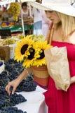 Einkauf im Markt Lizenzfreie Stockfotos