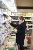 Einkauf - schöne junge Frau Lizenzfreies Stockfoto