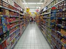 Einkauf am Supermarkt Lizenzfreies Stockbild
