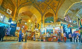 Einkauf in Vakil-Basar, Shiraz, der Iran stockbild