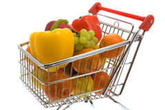 Einkaufenlaufkatze mit Obst und Gemüse Stockfoto