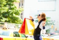 Einkaufsfrau in Manhattan NYC lizenzfreies stockfoto