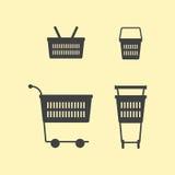 Einkaufskörbe und Warenkörbe Stockfoto