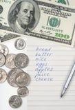 Einkaufsliste, Geld und Feder Lizenzfreie Stockfotografie