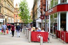 Einkaufsstraße, Leeds Stockfotos