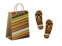 Einkaufstasche und Flipflops Lizenzfreies Stockbild