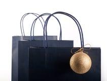 Einkaufstasche- und Weihnachtsblase Stockbilder