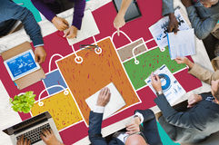 Einkaufstasche-Verkaufs-Kapitalismus Shopaholic-Konzept lizenzfreie stockfotografie