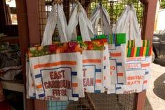Einkaufstaschen am Ort hergestellt auf Bequia Lizenzfreies Stockfoto