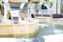 Einkaufszentrum Rio, St Petersburg, Russland, im August 2016: Brunnen im Mall Lizenzfreie Stockfotos