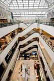 Einkaufszentruminnenraum Lizenzfreies Stockfoto