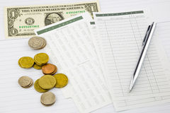 Einkommengeld und -ausgaben Stockfotografie