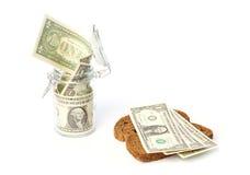 Einkommenseinsparung und -ausgabe in einem Haushalt Lizenzfreie Stockfotos