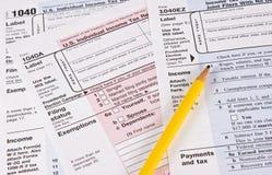 Einkommenssteuer-Formulare Stockfotografie