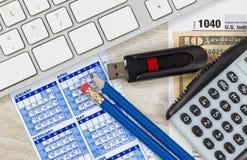 Einkommenssteuer-Vorbereitungs-Geschäftsausstattung Lizenzfreie Stockbilder