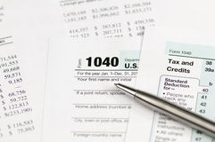 Einkommenssteuerform 1040 Stockbild