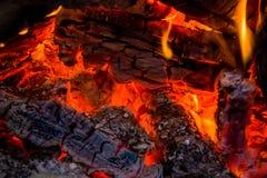Einladendes Lagerfeuer Stockfotos