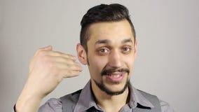 Einladung für ein neues Projekt, aufgeregter Geschäftsmann stock video footage