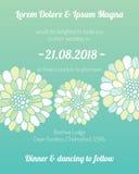 Einladungskarte mit Blumenschablone Stockfoto
