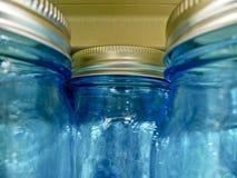 Einmachende Gläser blau Stockfoto