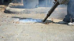 Einnebelung des DDT-Spray-Tötungsmoskitos stock footage
