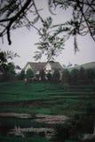 Eins der Landhäuser wurde von Pangalengan Indonesien geschlagen stockbilder