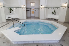 Eins der Pools im Szechenyi Lizenzfreies Stockfoto