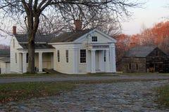 Eins vieler historischen Gebäude aus das Eigentum und die Grund von Museum Strawbery Banke, New Hampshire, 2017 Stockfotografie