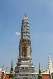 Eins von acht prangs bei Wat Phra Kaew Lizenzfreie Stockfotos