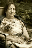 Einsame alte Frau Lizenzfreies Stockbild