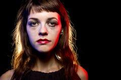 Einsame getrunkene Frau an einem Nachtklub Stockfotos