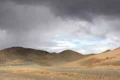 Einsame isländische Straße Lizenzfreies Stockbild