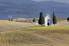 Einsame Kirche, Val d \ 'Orcia (Italien). Lizenzfreies Stockfoto