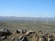 Einsame Windmühlen lizenzfreie stockfotografie