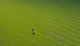Einsamer Außenfeldspieler Stockbild