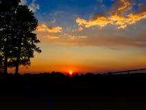 Einsamer Sonnenuntergang bei Echo Basin lizenzfreies stockbild