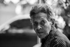 Einsames älteres Frauenporträt Stockbild