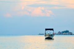 Einsames Boot Lizenzfreies Stockbild